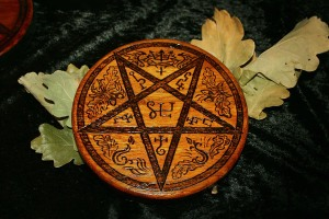 WITCHCRAFT - one of a kind Oak Pentacle - 99 EUR