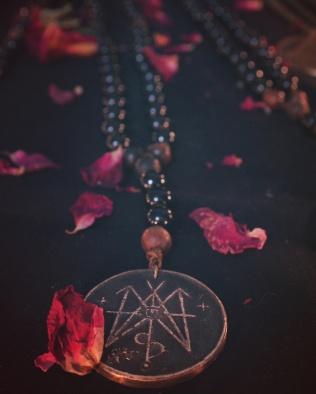Teufelskunst Rosaries